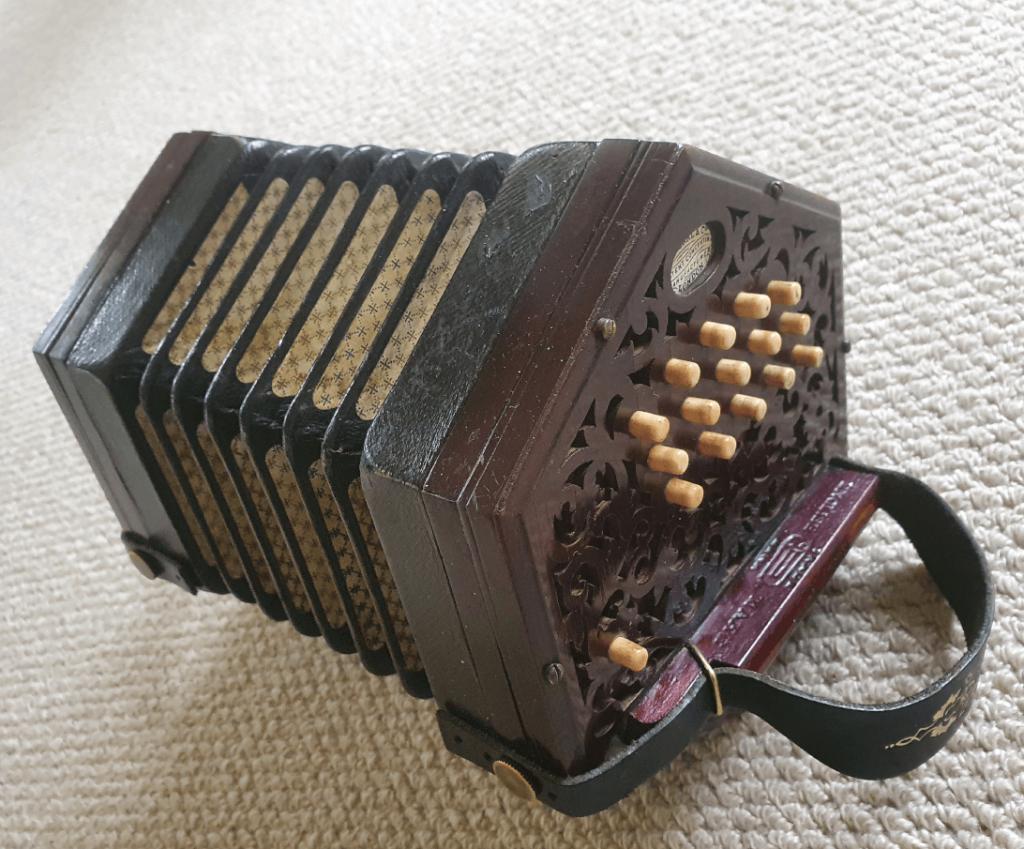 concertina-shop-hero-image